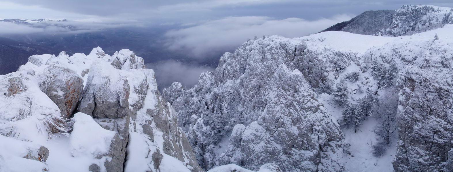 Заснеженная вершина Демерджи