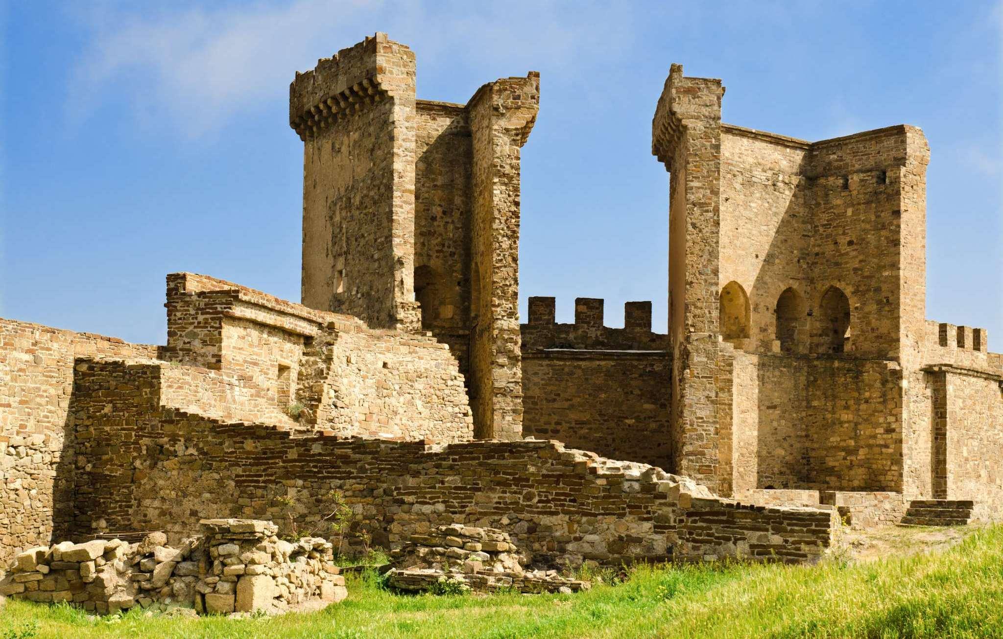 Развалины Генуэзской крепости