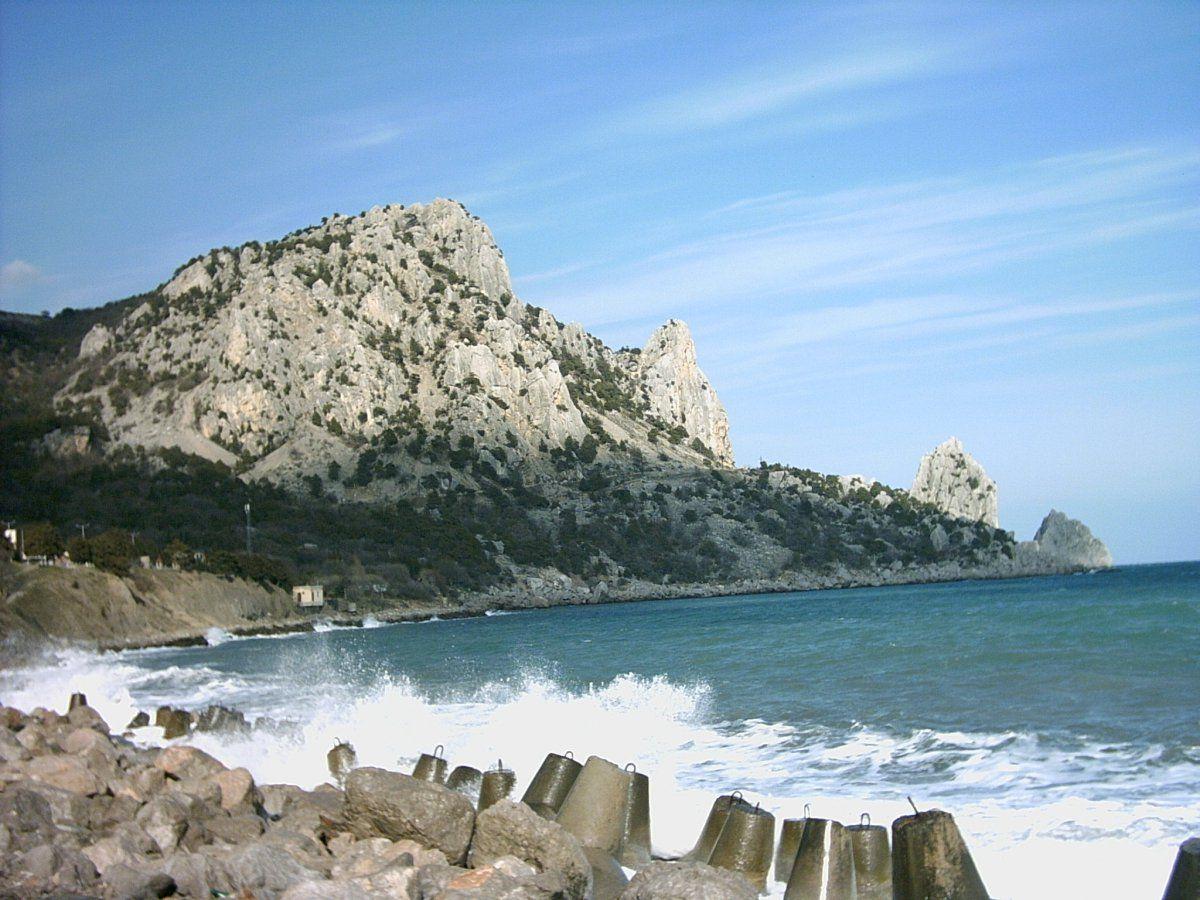 Гора кошка и море