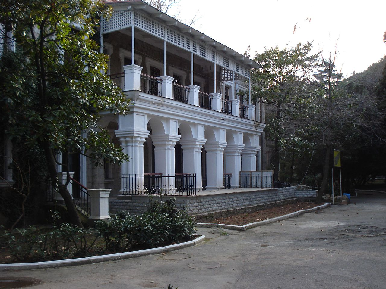 Дача купца Стахеева балкон