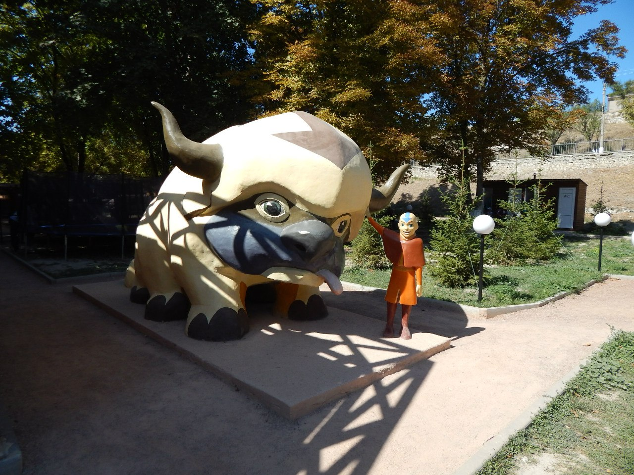 Аанг аватар в парке миниатюр в Евпатории